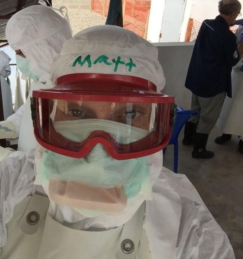 Matthew Waxman '92 takes a selfie in his Ebola treatment suit. Printed with permission of Matthew Waxman.