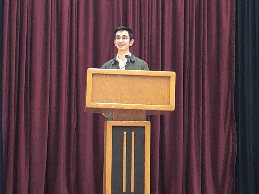 Head Prefect candidate Michael Lehrhoff '20 promotes his campaign to the sophomore and junior classes.  Credit: Khyra Stiner