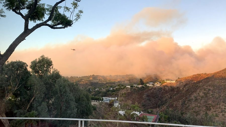 Smoke spreads across the horizon as the Getty Fire burns over 600 acres, impacting neighborhoods since 1:30 a.m. on Monday. Credit: Austin Lee/Chronicle