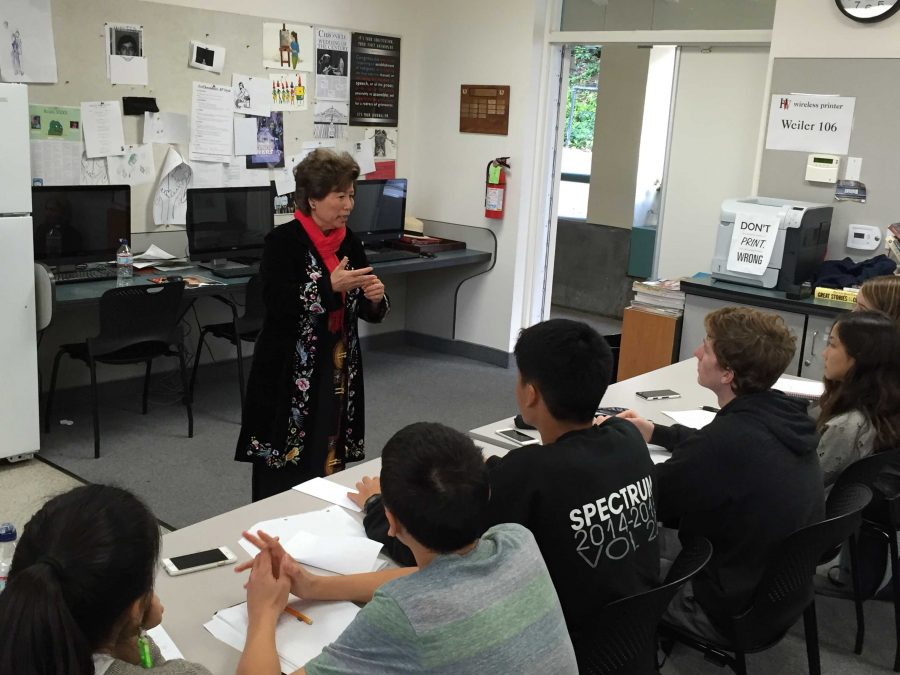 Le Ly Haslip speaks to a journalism class. Credit: Oliver Akhtarzad/Chronicle