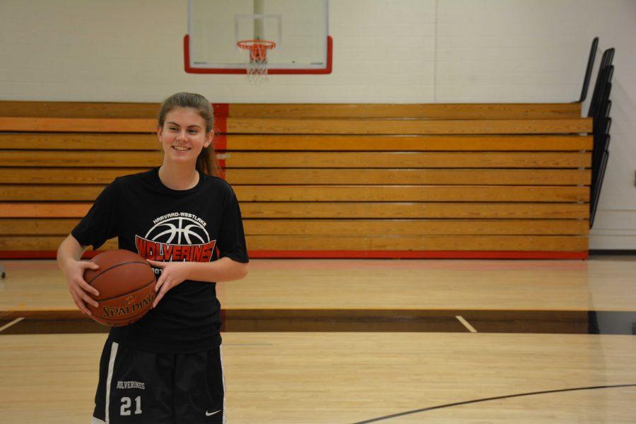 Melanie Hirsch '18 practices basketball in Taper Gym. Credit: Alexa Zuriff/Chronicle