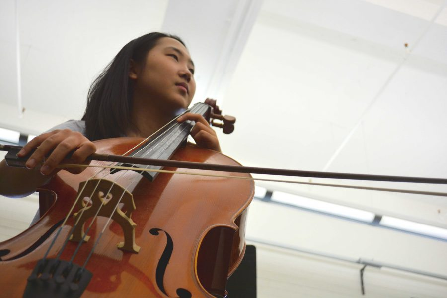 Samantha Yoon '18 practices for upcoming performance at Carnegie Hall. Credit: Caty Szeto/Chronicle