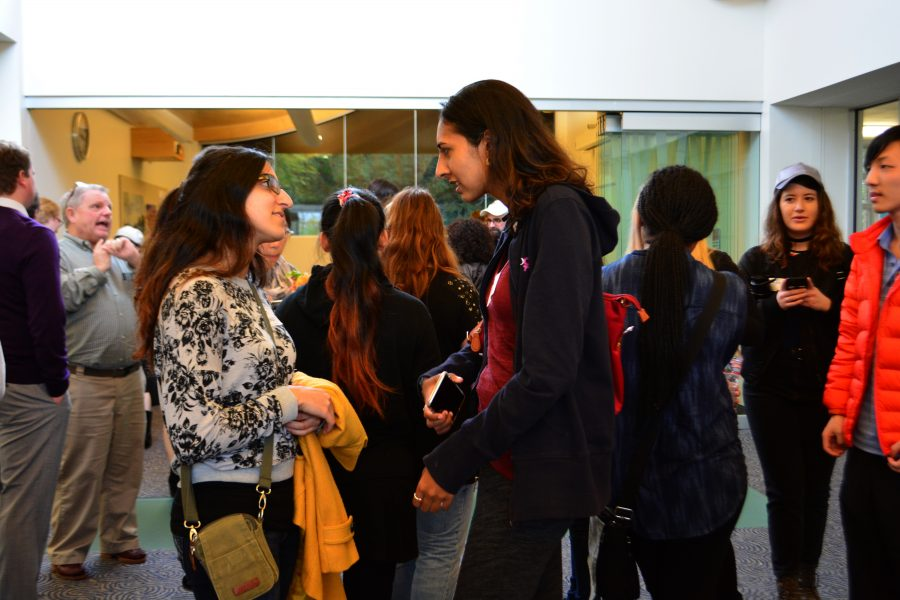 Two+Alumna+discuss+their+time+away+from+Harvard-Westlake+at+the+reception+in+the+Kutler+Center.+Credit%3A+Maddy+Daum%2FChronicle