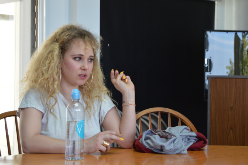 Juno+Temple+motivates+students+to+stay+confident+and+true+to+themselves.+Credit%3A+Sophie+Haber%2FChronicle