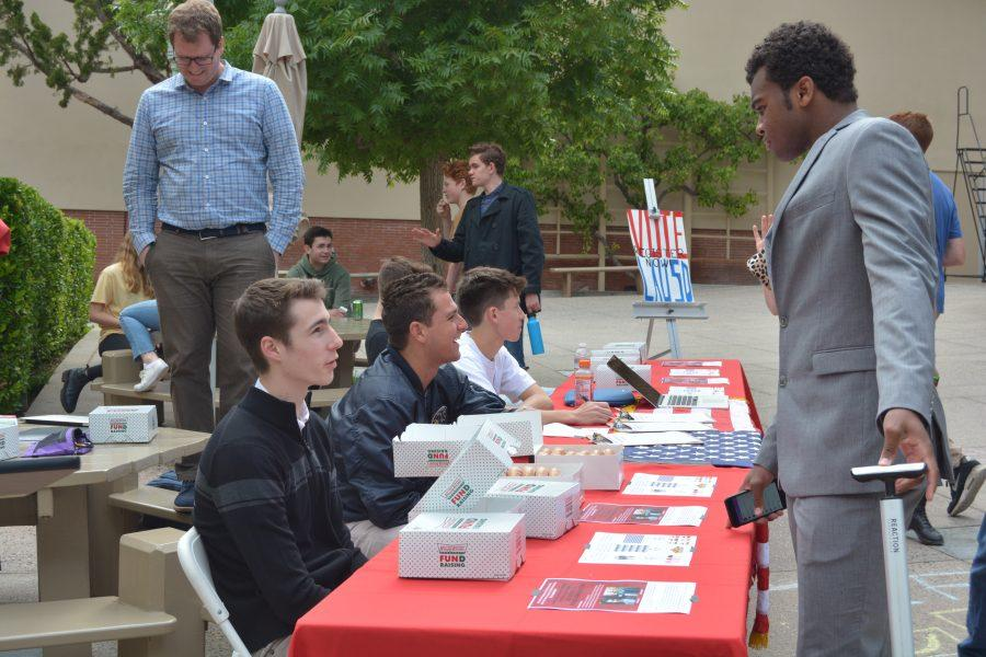 Members of Unconventional Leadership encouraged students to vote. Credit: Saba Nia/Chronicle
