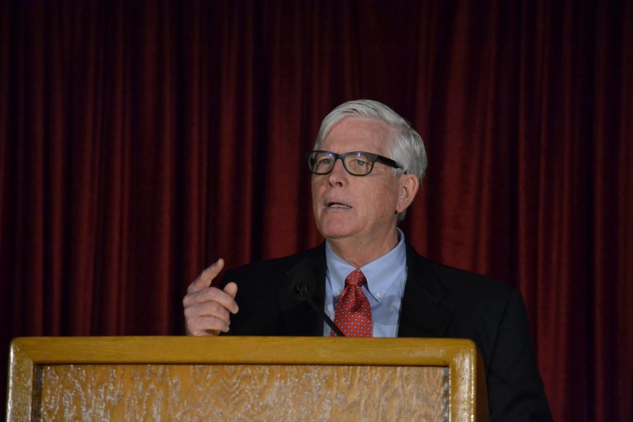 Hugh Hewitt speaks to students, faculty and staff about his book,