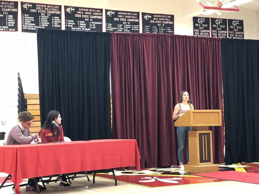 Ryan Stanford '19 adresses juniors and sophomores about why she should be Head Prefect. Credit: Casey Kim/Chronicle