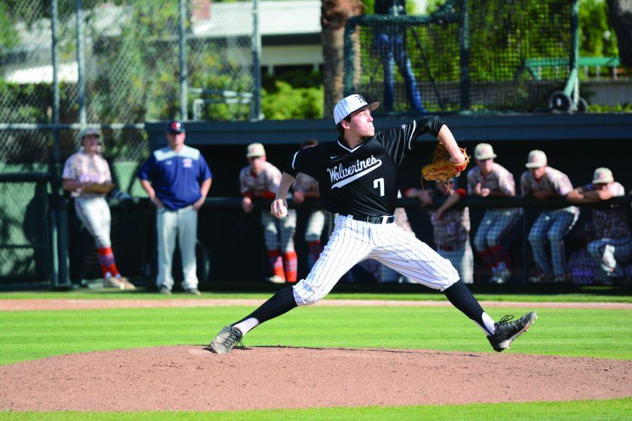 Pitcher+Jack+Limongelli+%E2%80%9919+pitches+in+a+4-2+win+over+Chaminade.+Photo+Credit%3A+Ryan+Albert%2FChronicle