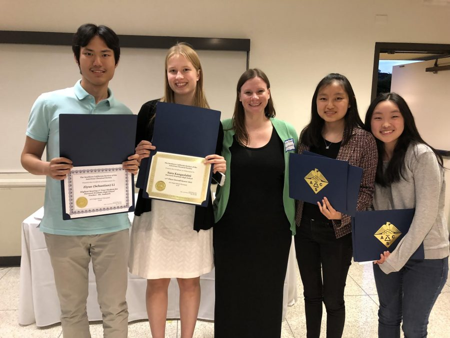 (Left to right) Sebastian Li '20, Sarah Kangaslahti '19, Krista McClain, Lexi So '19 and Sarah Moon '19 pose for a picture. Credit: Krista McClain