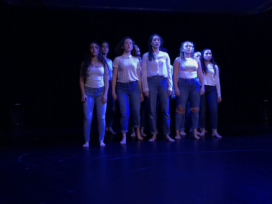 The seniors of Advanced Dance II perform their final group piece as a class.  Credit: Lindsay Wu/ Chronicle