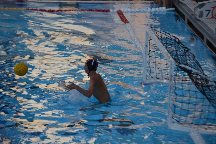 Goalie+Baxter+Chelsom+%2723+attempts+to+block+the+ball+in+the+21-1+St.+Francis+win+on+Aug+30.+Credit%3A+Sandra+Koretz%2FChronicle.