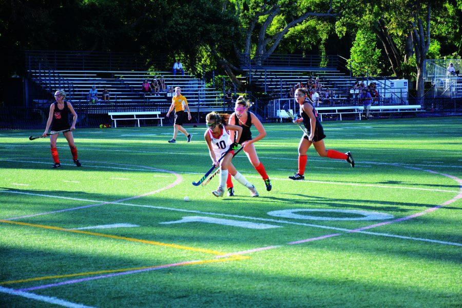 ELLA-Gant+OFFENSE%3A+Ella+Ganocy+%E2%80%9922+surges+through+the+defense+on+her+way+to+the+goal.+The+Wolverines+defeated+Huntington+Beach+High+School+2-1%2C+where+Fienne+Oerlemans+%E2%80%9922+scored+both+goals+and+the+defense+shut+out+the+Boiler%E2%80%99s+offense+in+the+second+half.+Credit%3A+Lucas+Lee%2FChronicle