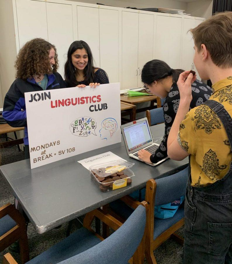 Students sign up for the Linguistics Club, which is lead by Liana Wadhwani '22, during activities period in Chalmers East.  Credit: Quincey Dern/Chronicle