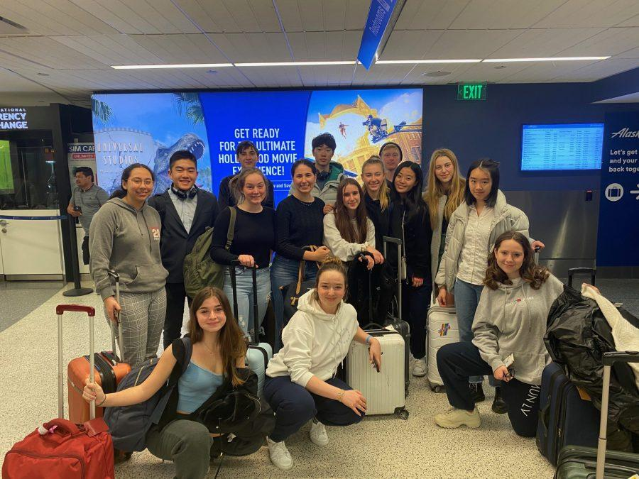 Members of the Model United Nations club pose for a picture in the Los Angeles International Airport on Feb.19. The delegates all participated in the North American Invitational Model United Nations Conference (NAIMUN) in Washington D.C. Credit: Kyra Hudson / Chronicle