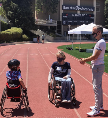 ANGEL CITY SPORTS: Promoting the Paralympic movement, Mayor Eric Garcetti '88 speaks with participants and athletes on Ted Slavin Field. July 31.
