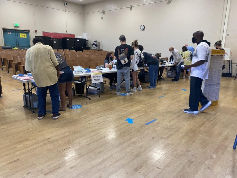Sherman Oaks Elementary Charter holds check-in for its recall voting station.
