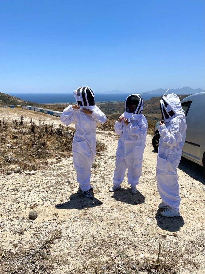 Mia+Karathanasis+%2722+suits+up+for+some+firsthand+observation+of+beekeeping+in+Kos+Island%2C+Greece.